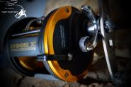WFT Offshore LW 30 RH - mit Meter Schnurzähler -Trollingrolle Multirolle